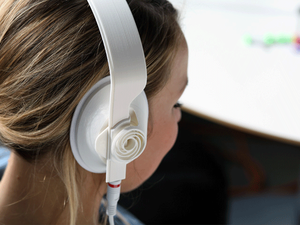 Print you own headphones on MakerBot Replicator,
