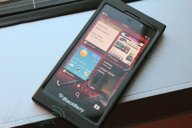 Major UK networks confirm they'll carry Blackberry 10 wares in early 2013