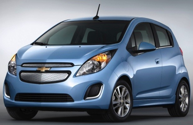 2014 Chevy Spark EV will retail for $27,495 before incentives, hits West Coast freeways in mid-June