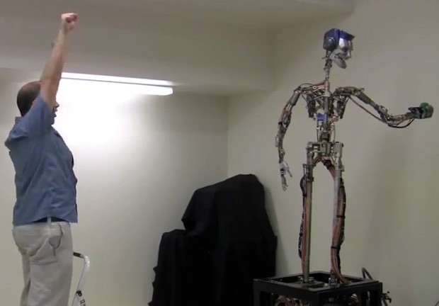 Disney Research robot catches and juggles with its human lackeys, won't replace our parents video