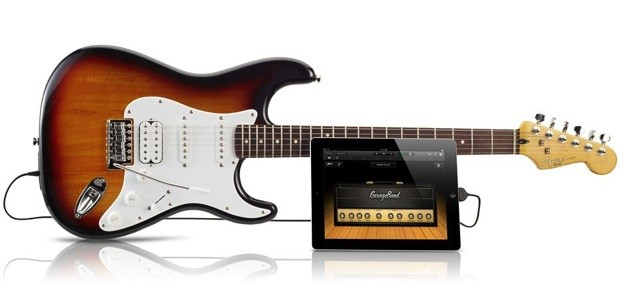 Fender unveils Squire USB Stratocaster that talks to iOS devices, lends authenticity to GarageBand sessions