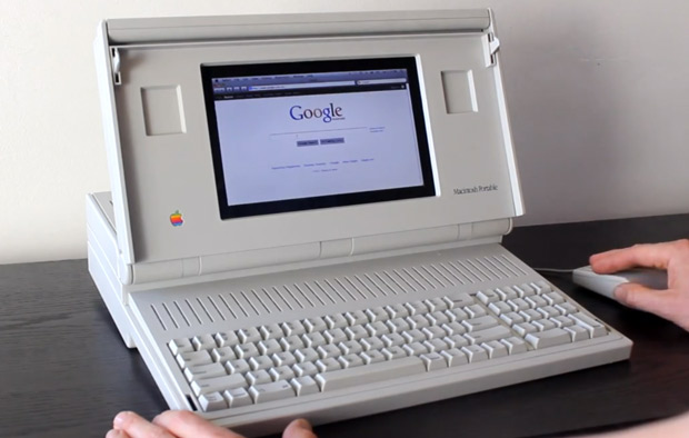 Self-declared hipster builds Macintosh Portable case mod, reckons it goes well with skinny jeans (video)