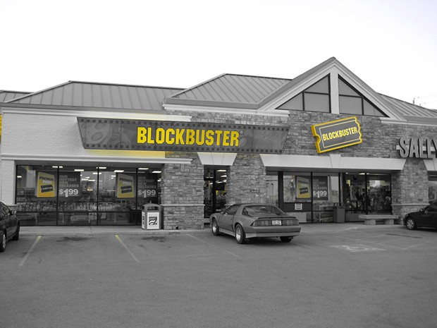 Bloomberg: Blockbuster to sell phones at brick-and-mortar locations