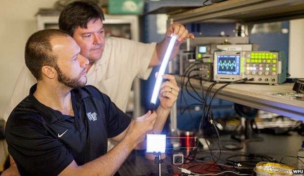 Scientists build Fipel superbulb out of plastic, makes Edison blush