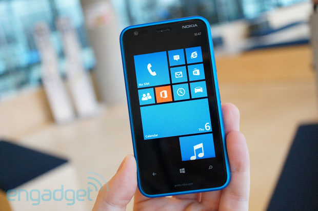 Nokia Lumia 620 handson $249 for Windows Phone 8