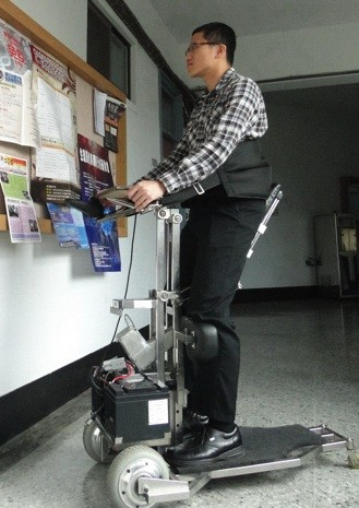 NCKU's iTransport robot wheelchair helps riders reach loftier heights