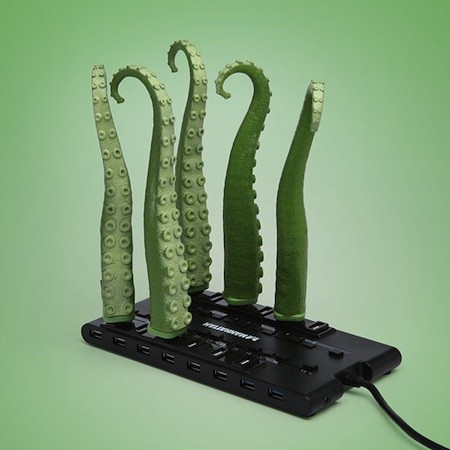 Answer the call of Cthulhu with a USB squirming tentacle