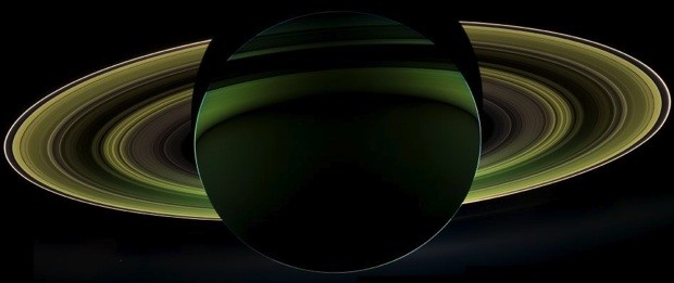 Visualized Cassini probe gets a glimpse of Saturn's shadow