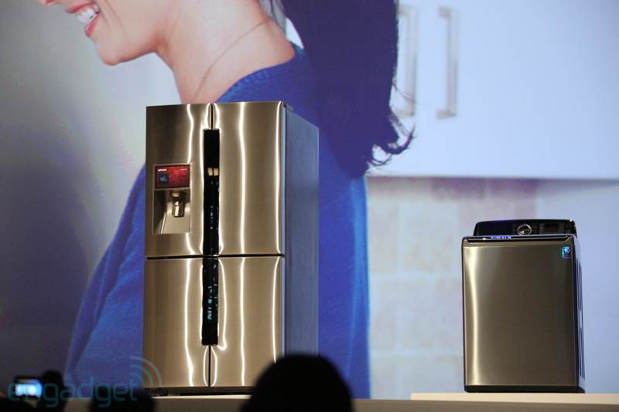 Samsung debuts T9000 refrigerator with LCD and Evernote integration