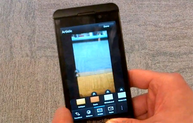 BlackBerry 10 camera app flaunts filters, transformation tools video