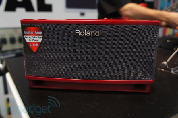 Roland Cube Lite mini amplifier allows you to control guitar licks, aux input independently video