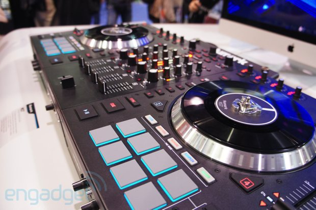 Numark NS7 II Serato DJ controller hands-on