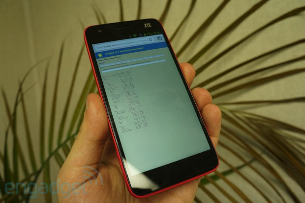 Benchmarking CES 2013's flagship smartphones
