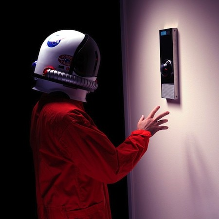 ThinkGeek offers lifesize, $500 HAL 9000 replica, makes you answer to 'Dave'