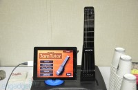 Jamstik portable MIDI guitar lets you play and learn on the iPad wirelessly