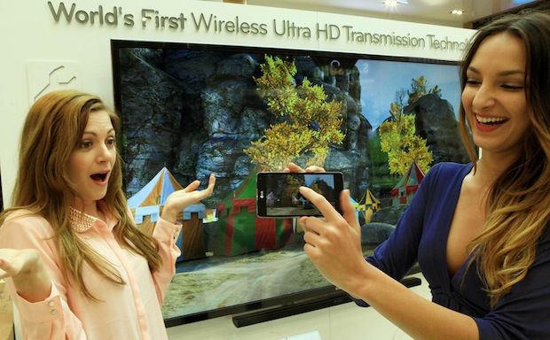 LG shows off Wireless Ultra HD video streaming from phone to TV at MWC