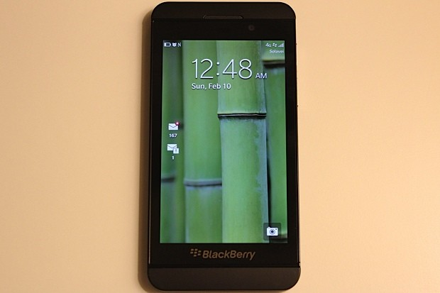 Solavei becomes first US carrier to ship BlackBerry Z10