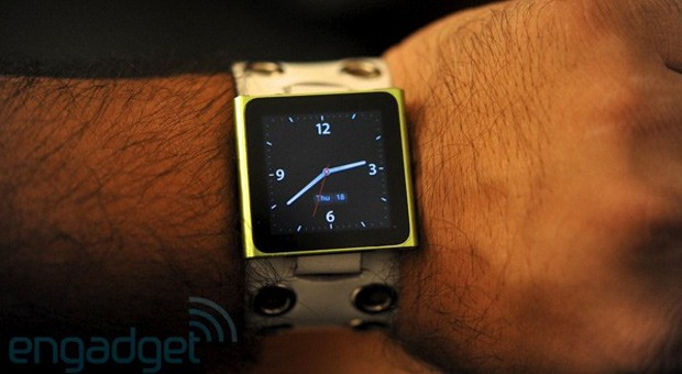 Bloomberg 100 people are working on the Apple watch