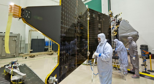 NASA and Lockheed Martin finish MAVEN probe, hope to study Mars\' upper skies
