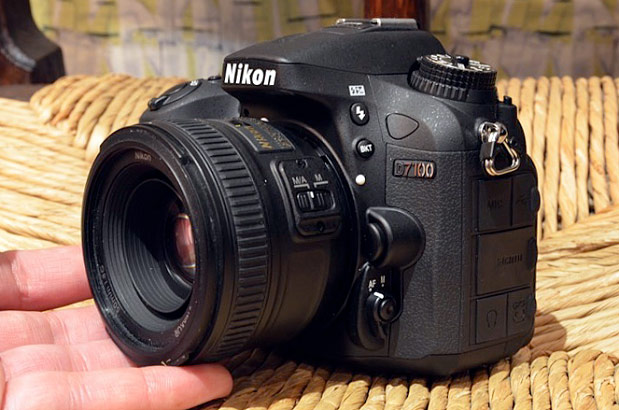 Nikon D7100 with Battery Grip