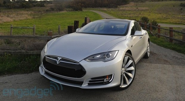 Tesla Model S gets Consumer Reports&#8217; top score, suggests it&#8217;s easy being green