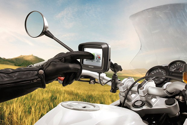 TomTom Rider motorcycle GPS gets refresh, for those born to be guided