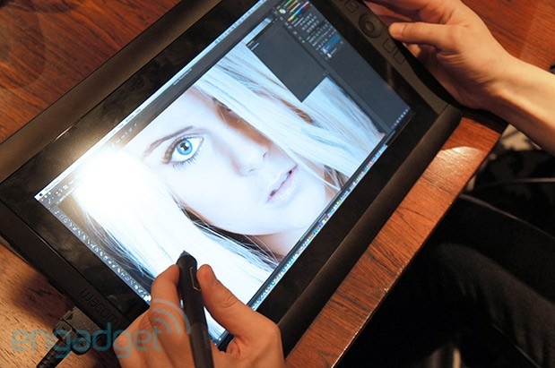 Wacom Cintiq 13HD graphics display handson video