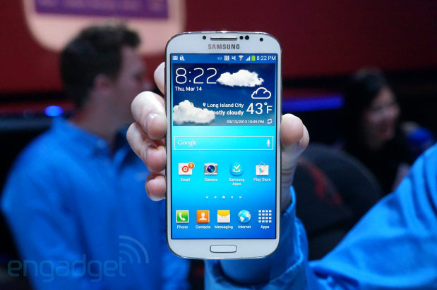 Samsung Galaxy S4 undressed on camera, found to be easily repairable video