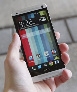 IRL Goal Zero Sherpa 50 and the HTC One