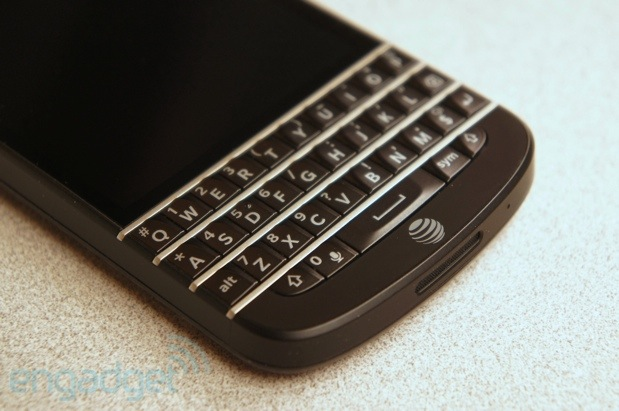 AT&T likely planning to launch BlackBerry Q10 on June 21st