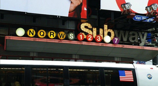 NYC subway wireless goes live in 30 stations, Sprint and Verizon signing on soon