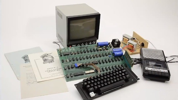Functional Apple 1 auctioned off for $6714K, sets new Sotheby's record