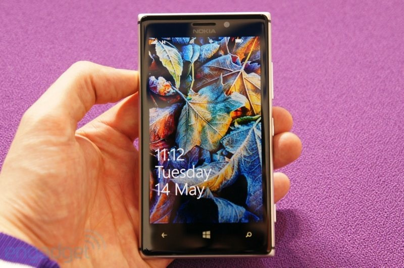 Nokia Lumia 925 screen