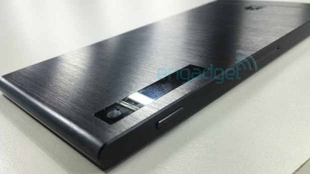 New Huawei P6-U06 spy shots show off black, brushed metallic body (updated)