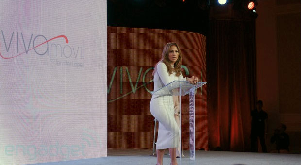 J Lo partners with Verizon to launch Viva Movil, a Latinofocused retail chain