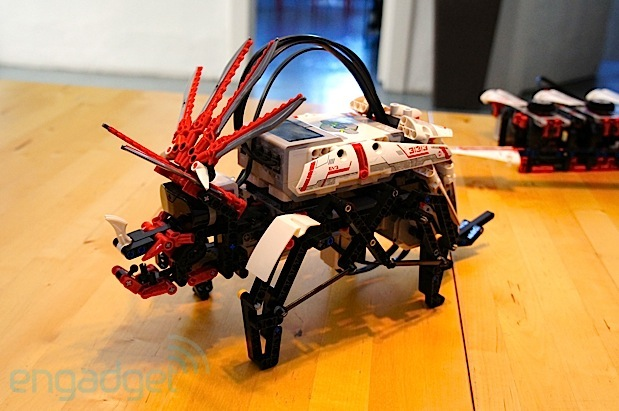 DNP Lego Mindstorms EV3 introduces three new bonus models video