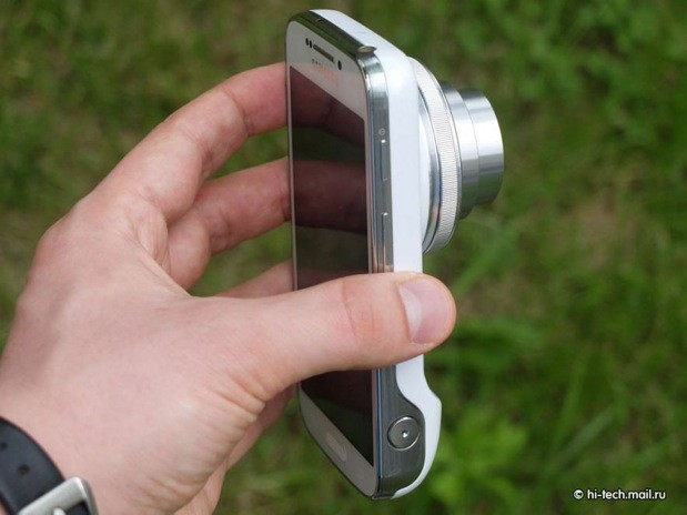 Samsung Galaxy S 4 Zoom gets reviewed before it's even official