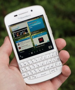 IRL BlackBerry Q10 and the Chevy Volt