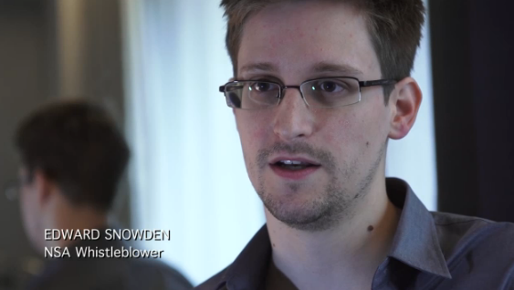 Edward Snowden stops off in Moscow, US extradition demand snaps at his heels