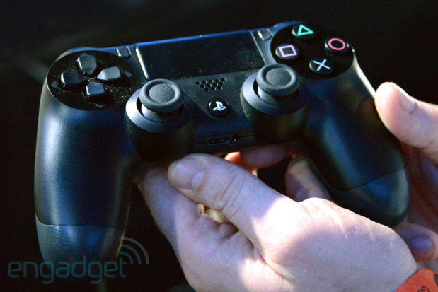 Sony PS4 controller handson