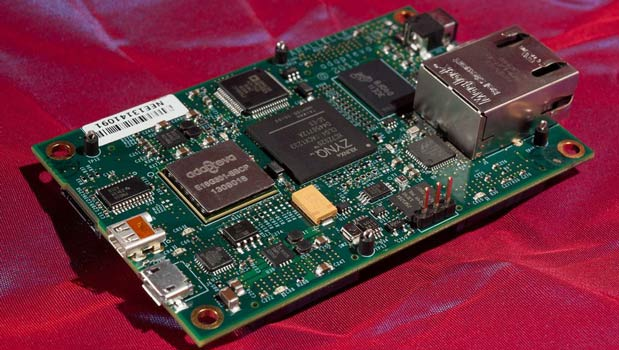DNP Adapteva's production Parallella boards headed to early backers, 16core version to go up for general preorder