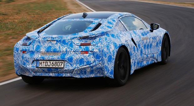 BMW i8 to use smartphonestyle hardened glass for noise and weight reduction