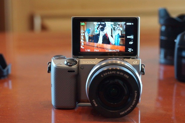 Sony unveils 161MP NEX5T with NFC and WiFi, available this September