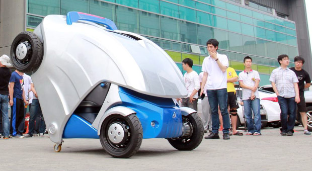 ArmadilloT micro electric car folds in half for compact parking video