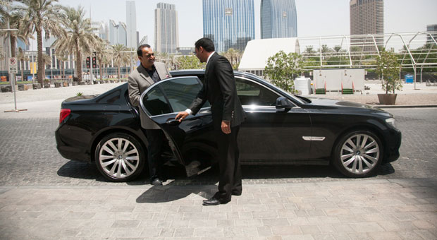 Uber takes its taxi service to Dubai,