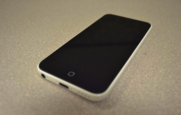 Apple iPhone 5s, iPhone 5c FCC documents appear, reveal little