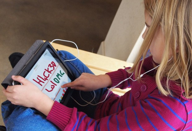 LA iPad initiative hits the skids after students 'hack' iPads in under a week