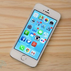 Daily Roundup Apple iPhone 5s and 5c reviews, Sony Cybershot QX10 review, iOS 7 now available, and more!