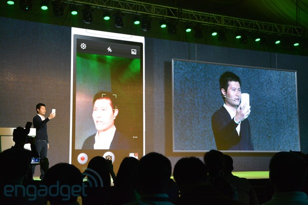 Oppo N1 puts a 13MP camera on a hinge, comes with CyanogenMod extras