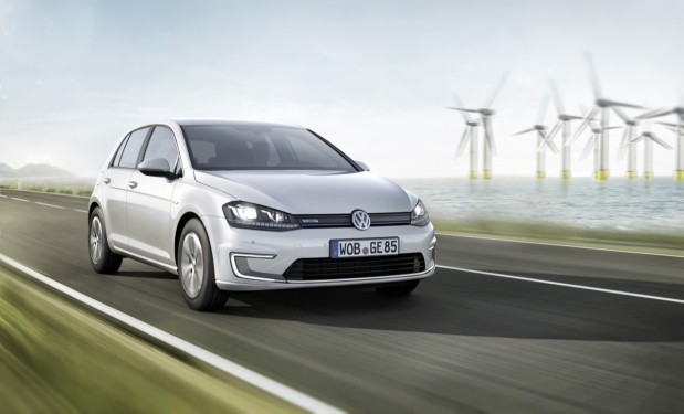 volkswagen e golf unveiled 118 mile range charges 80 percent in 30 minutes. Black Bedroom Furniture Sets. Home Design Ideas